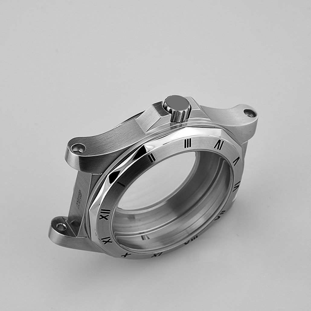 WC013 Stainless-steel Case With Angular Bezel And Brushed Finish