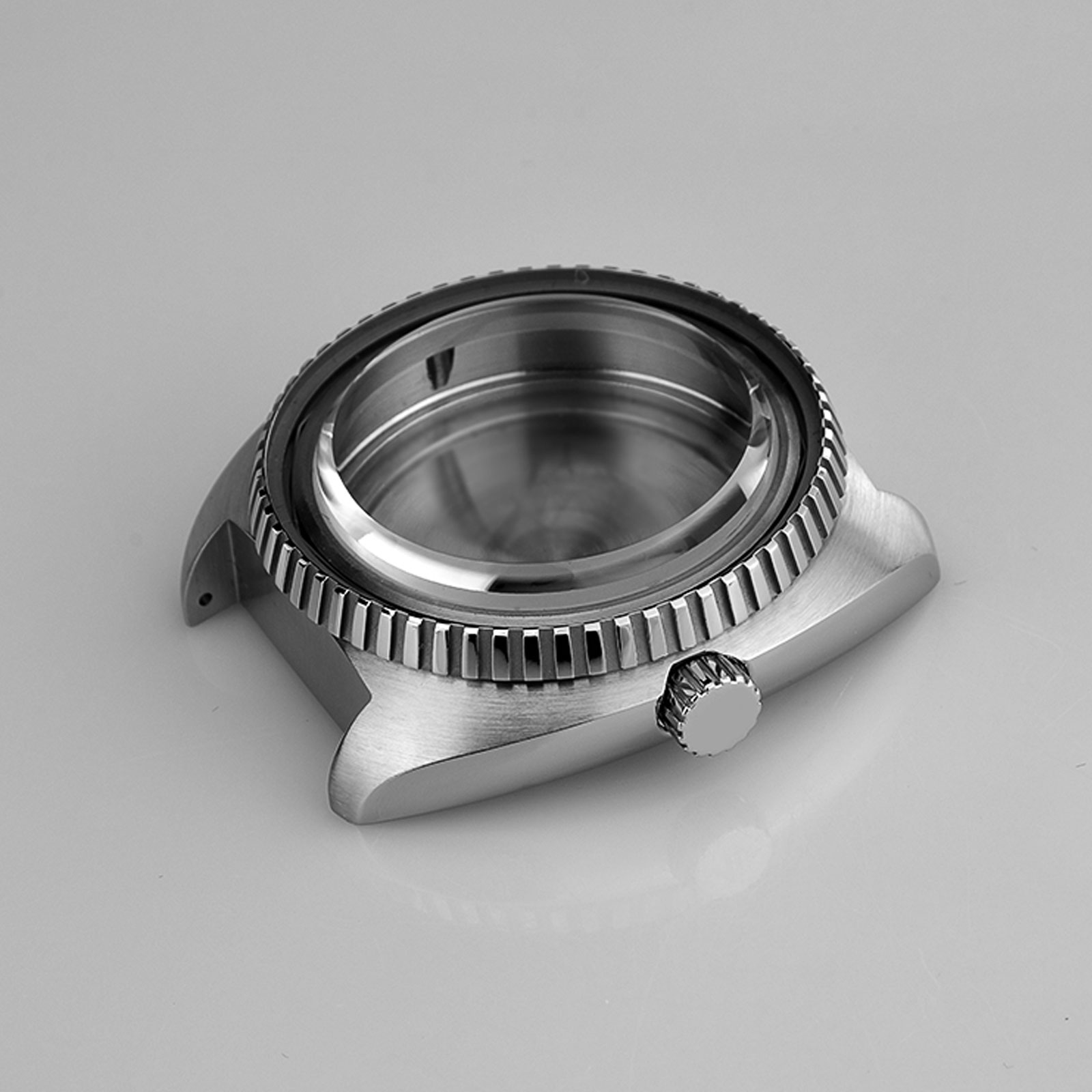 Simple Metal Watch Case With Large, Knurled Bezel